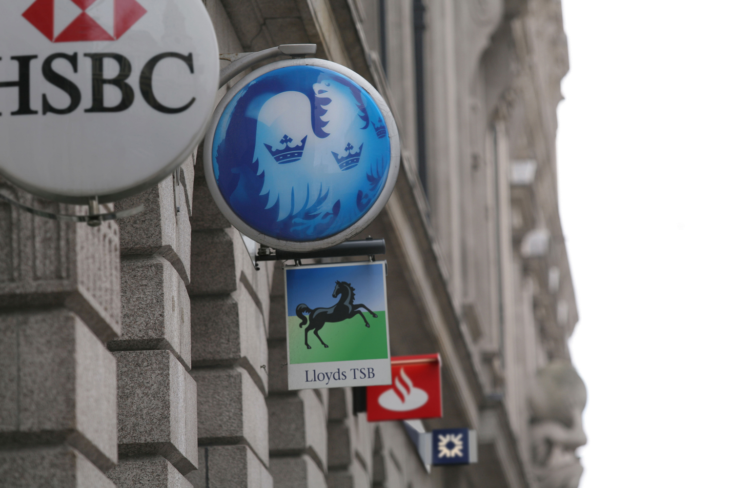 High street banks signs